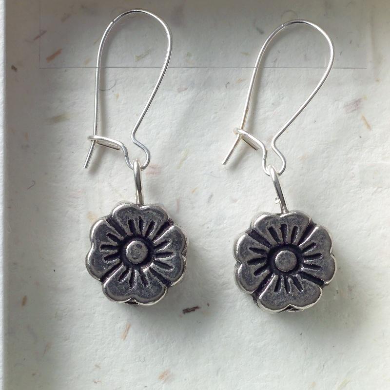 Flower earrings card