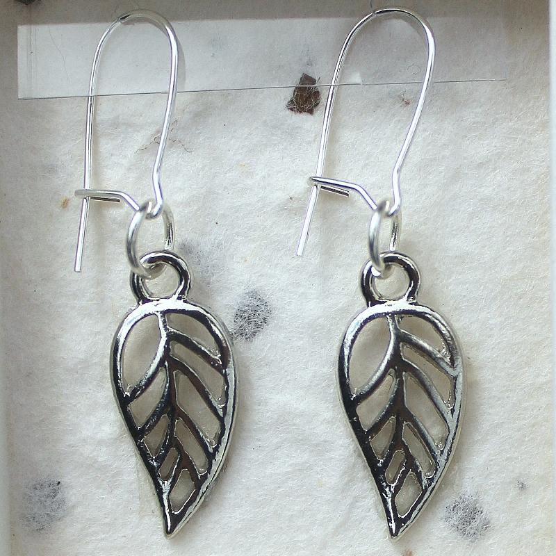 Leaf earrings card